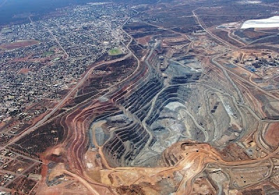 Threatening to devour the town: The Super Pit, Kalgoorlie