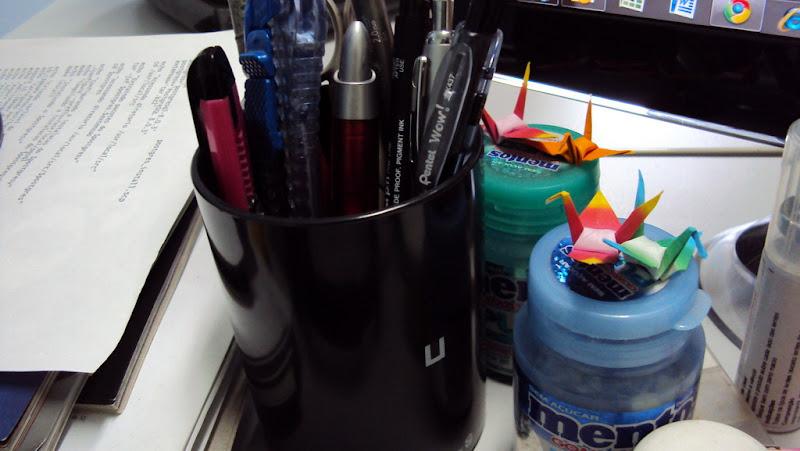 Meu porta canetas novo.