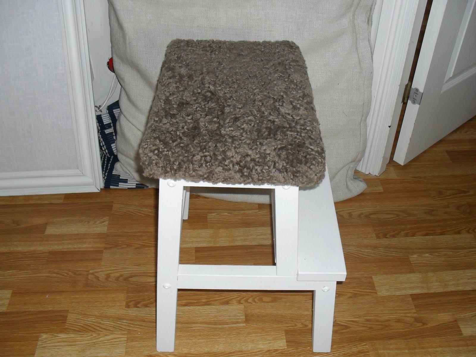 Bakgården Fårskinn till IKEA pallar