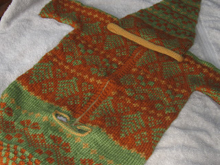 Fair Isle Baby Knitting Patterns http://babytoes-peepot.blogspot.com/2010/01/jingly-fair-isle-car-sacque-knitting.html