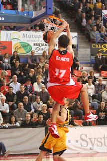 ACB PHOTO - Gladyr machacó las opciones del Gran Canaria, cn 5/7 en triples y 22 puntos