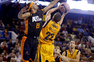 ACB PHOTO - Carroll logró 23 puntos, casi un tercio del total amarillo