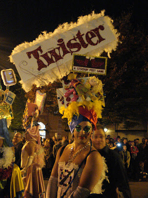 High Heel Races: Twister!