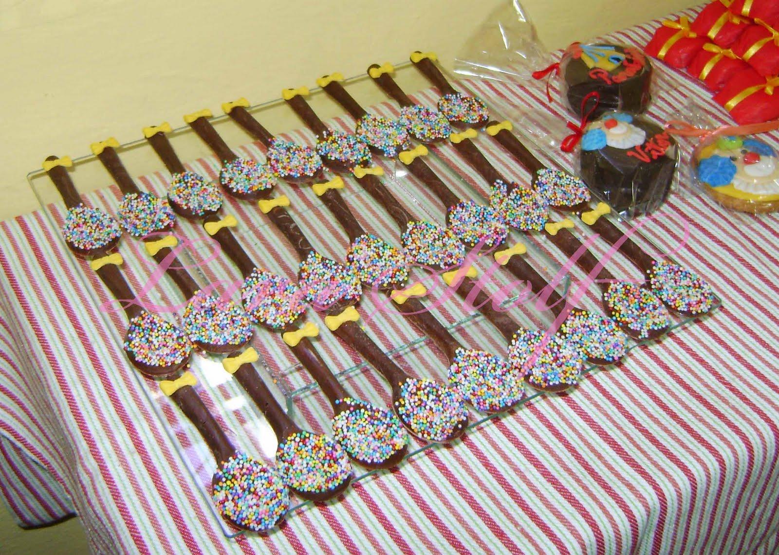 Para Uma Festa Infantil  Colherzinhas De Chocolate  P  Es De Mel