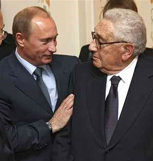 kissinger sent to russia to cut new world order deal