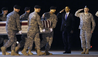 obama witnesses return of afghanistan war dead