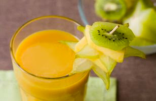 outbreak of typhoid fever in US linked to fruit smoothies