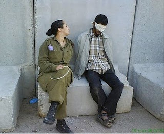 israeli soldier defends her 'sexy' fbook prisoner pics