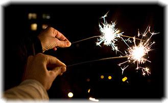 Новый год, руки, бегнальские свечи