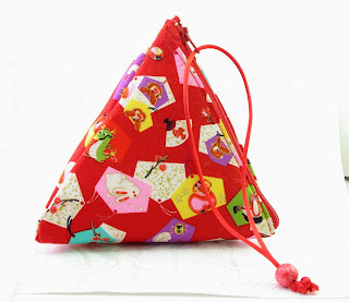 Pyramid Bag by Gochemoche