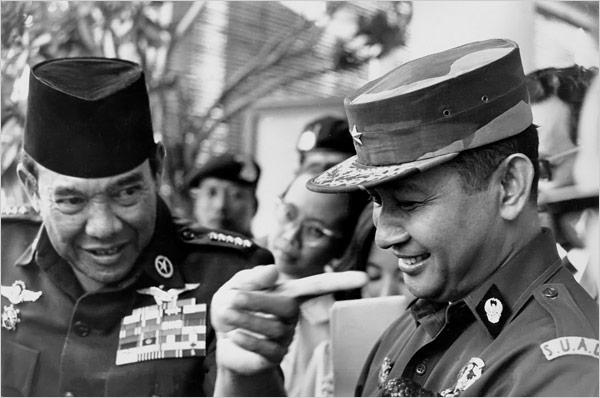 Peringatan 1.000 hari meninggalnya mantan Presiden RI, SOEHARTO Soekarno+and+Soeharto