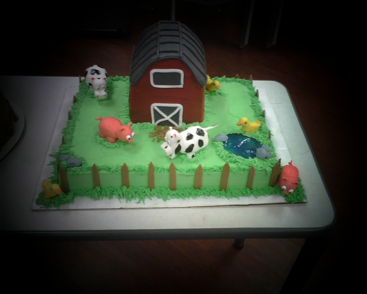barn themed cakes