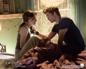 kiss and edward first Twilight bella