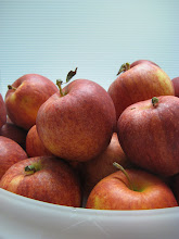 Certified Organic gala apples from Golden West Farms