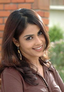 Genelia DSouza+Smile+Wallpaeprs Genelia DSouza Wallpapers, Bollywood Gossip &amp; Biography, Photos