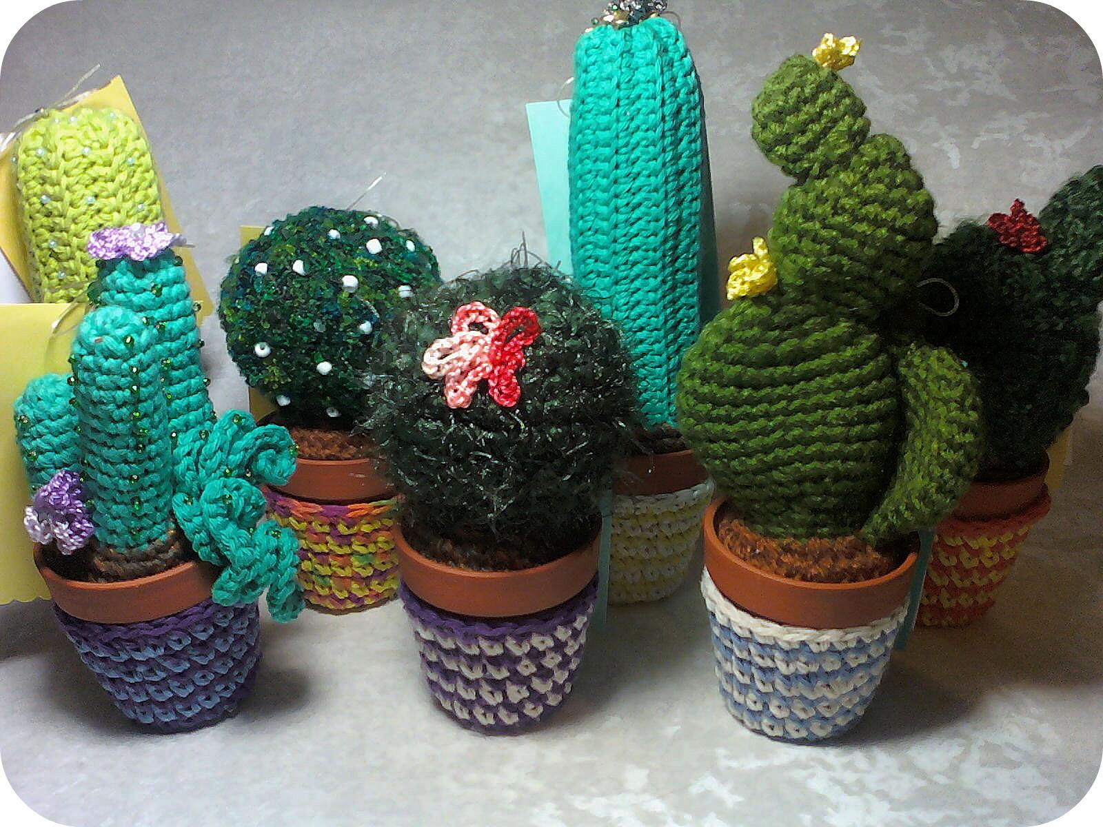 1069.- Cactus amigurumi