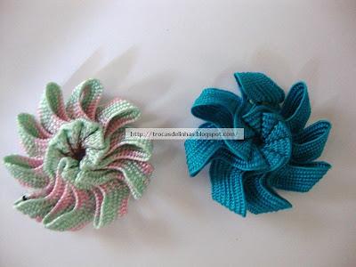цветы из 20 и 16 фрагментов тесьмы зиг-заг