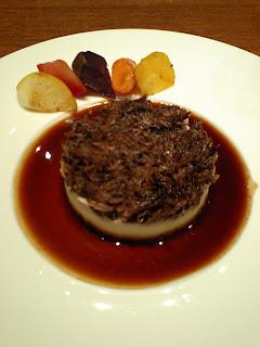 PARIS ORANGE(パリ・オランジュ)の牛の頬肉のマッシュポテトのせ