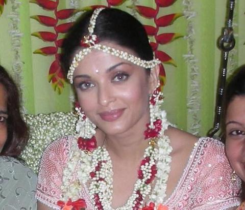 aishwarya rai wedding. Aishwarya Rai Hot Pictures