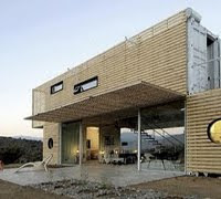 Casa construida con contenedores