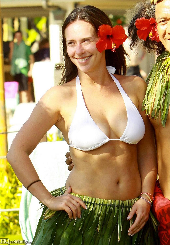 Jennifer Love Hewitt Mini