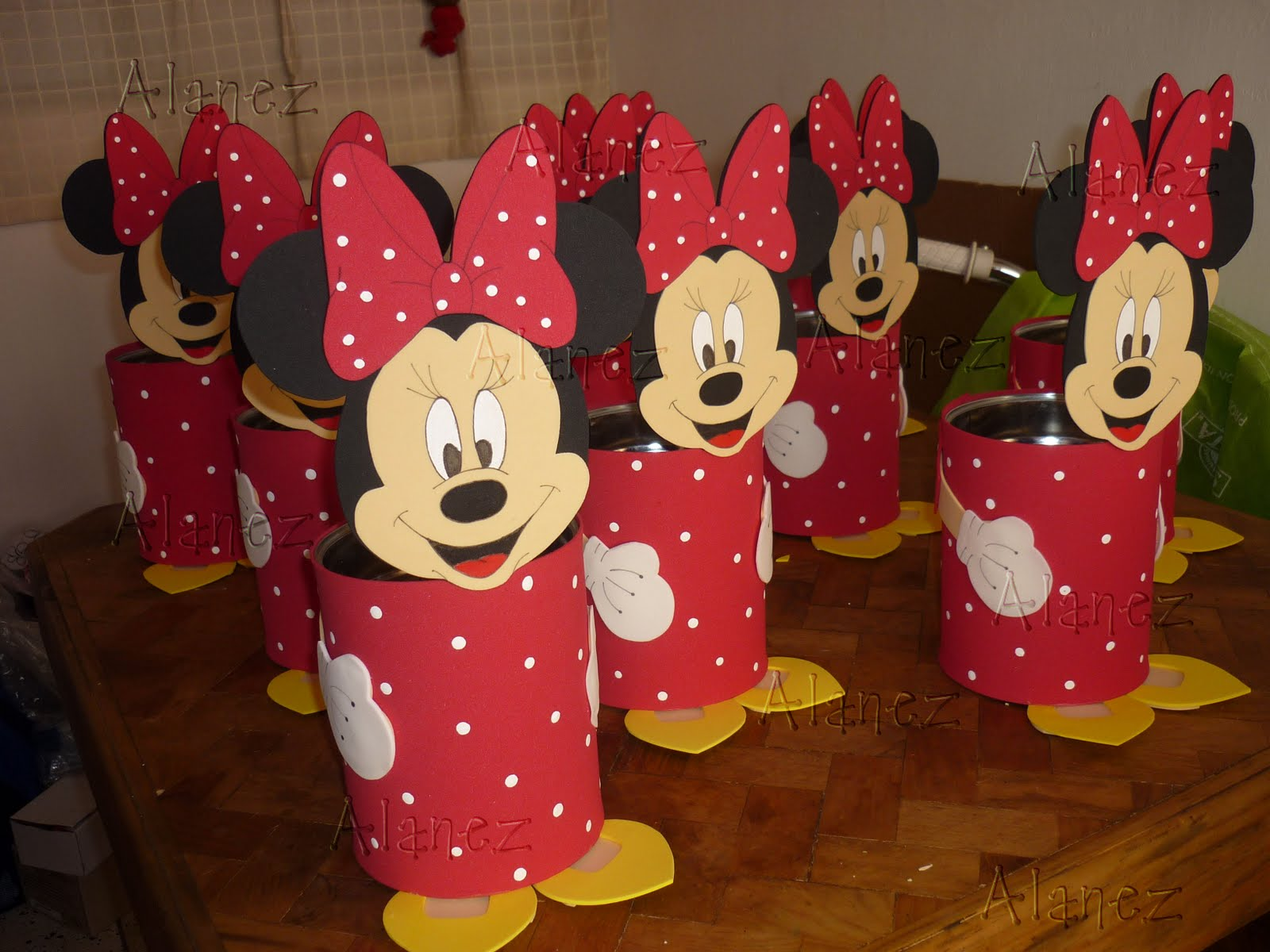 centro de mesa minnie mouse - YouTube