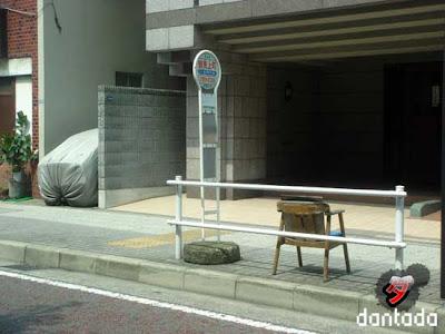 bus stop by dantada
