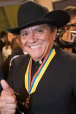 Medalla al Merito al Cholo Valderrama...