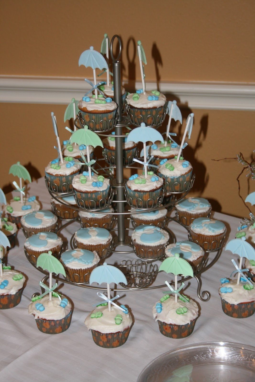 Hudson's baby shower umbrella cupcakes