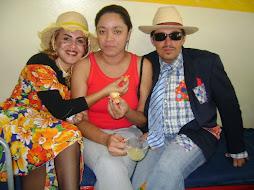 festa junina:Iara,Adriana eJunior