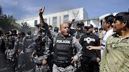 TENSION EN ECUADOR: FUERZAS ARMADAS SE REBELAN CONTRA EL GOBIERNO...