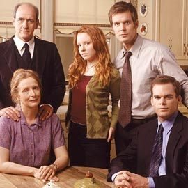 culture junkie: Six Feet Under - HBO's First Family of Death