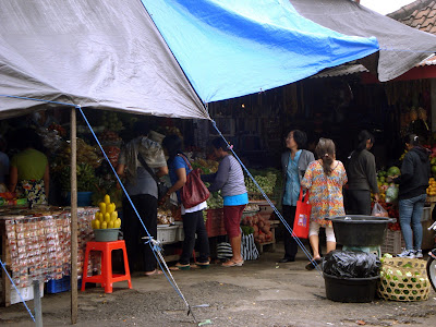 traditional market in bedugul
