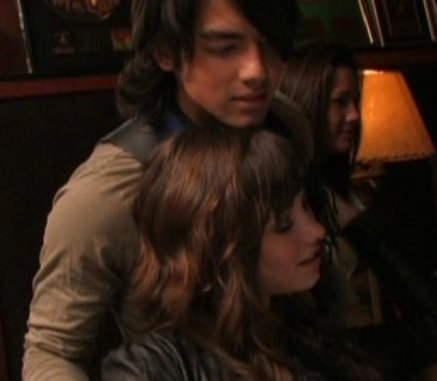 joe jonas and demi lovato dating 2009 gmc