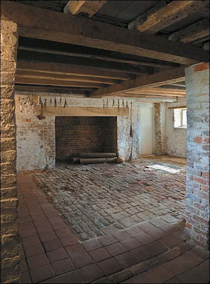 the multi story staircase is contained in the shallow brick projection at the rear of the house and thus takes up no interior space these two projections - Multi Castle Interior