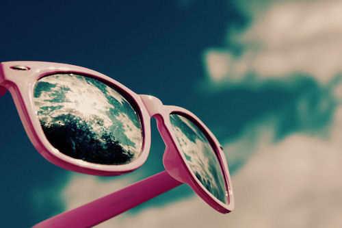 door een roze bril zien