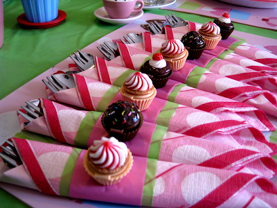 Cupcake tea party: sneak peak