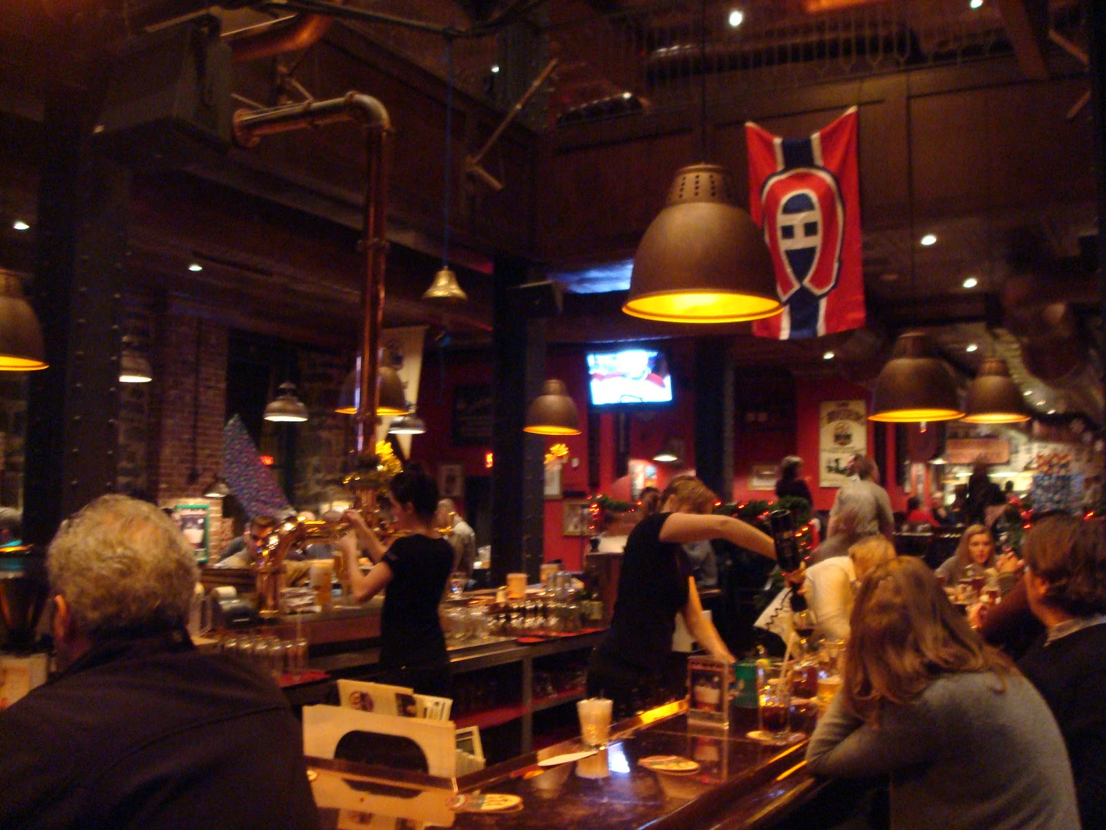 Fish free restaurant reviews les 3 brasseurs montreal for Cocktail 3 brasseurs