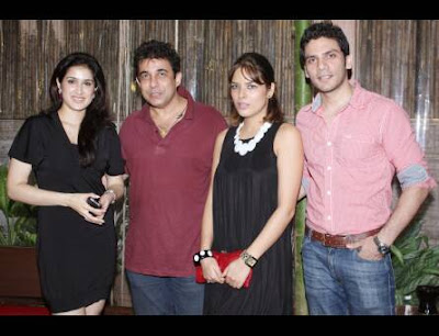Sagarika Ghatge with co-stars of Fox