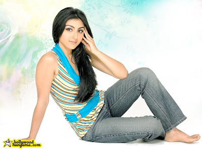 Soha Ali Khan wallpaper #2