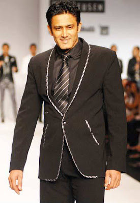 Anil Kumble walks on ramp