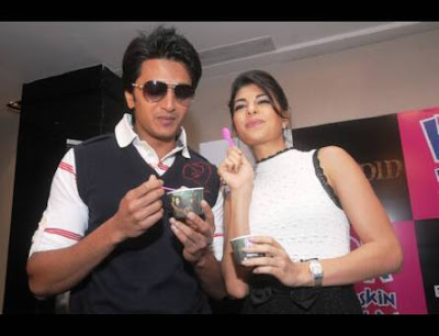Jacqueline Fernandez & Riteish Deshmukh out to taste ice-cream