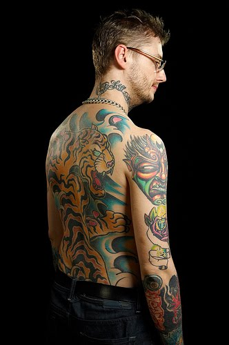 http://1.bp.blogspot.com/_HaDcoElLdc0/S0k8AkdzRiI/AAAAAAAAA2E/8f36f7DHQhk/s1600/London+Ink+-+Dan+Back,+Neck+%26+Sleeve+Tattoos.jpg