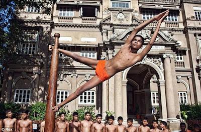 印度鋼管舞 - 印度鋼管舞 Mallakhamb
