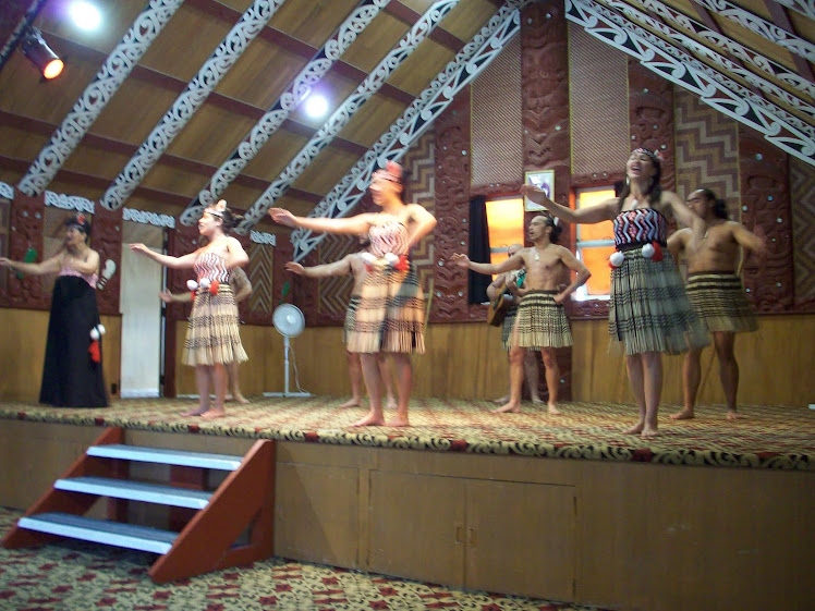TeAronui Maori perfomance