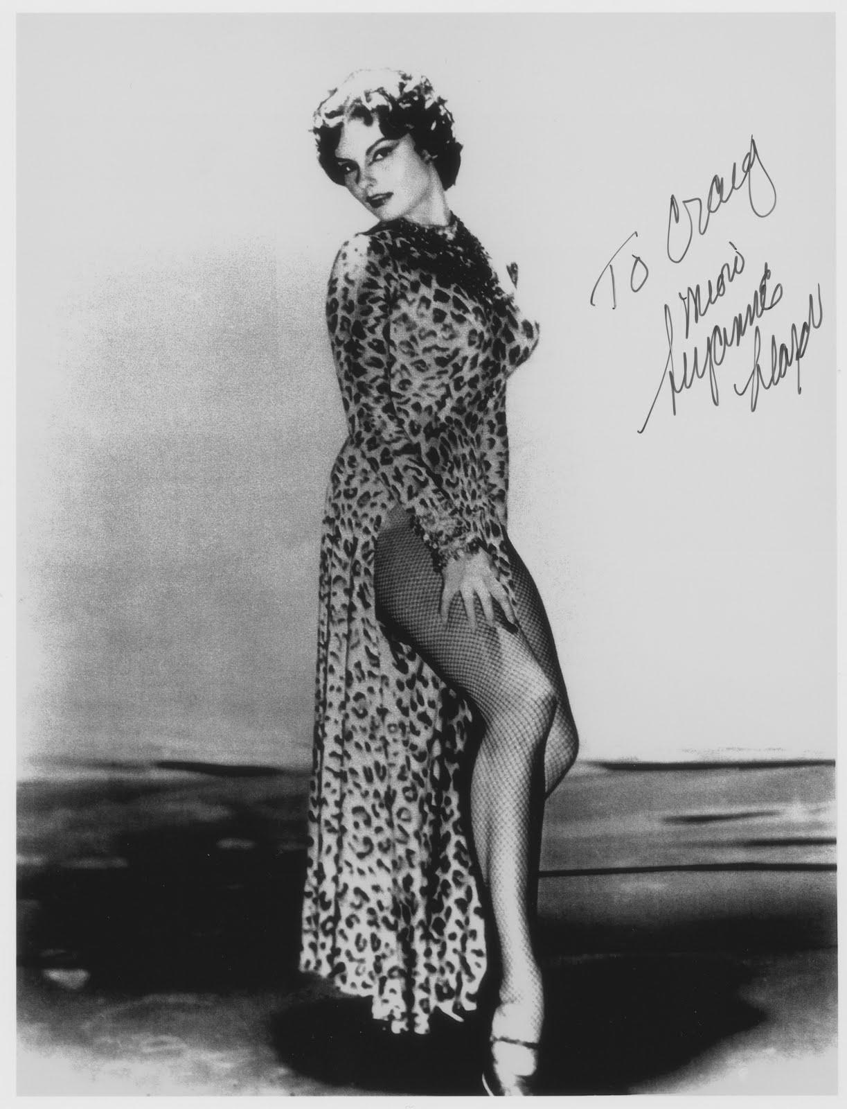 Nela Alvarez (b. 1918),Rachael Harris Erotic gallery Ashley Cabrera (b. 2010),Pauline Quirke (born 1959)