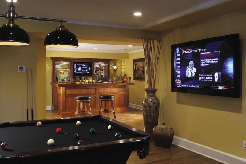House of decor decorating a family recreation room for Rec room decorating ideas