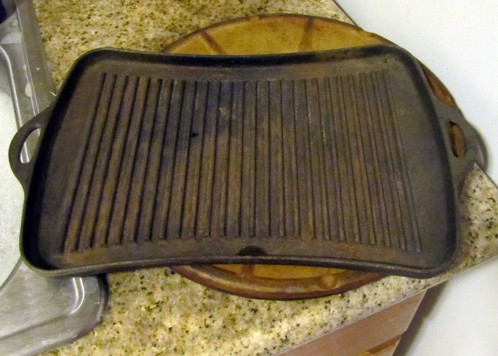 smells like food in here cast iron grill pan. Black Bedroom Furniture Sets. Home Design Ideas