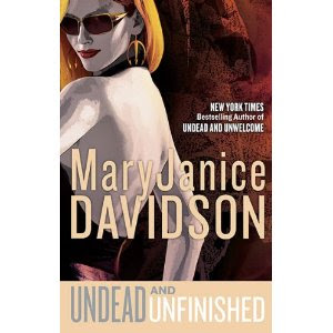 Review: Undead and Unfinished by MaryJanice DavidsonSpoilers (marked)