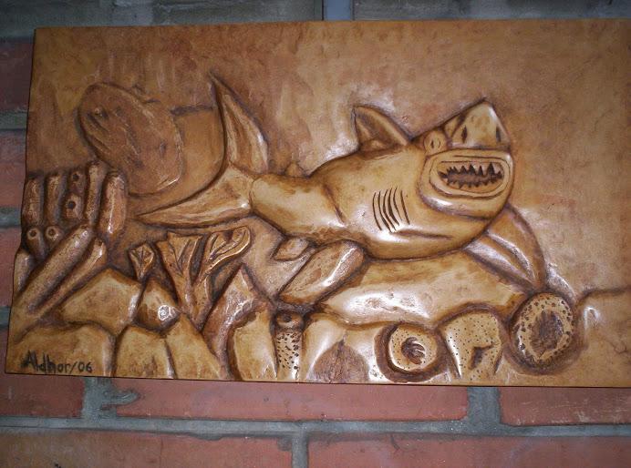 Tiburon tallado en madera